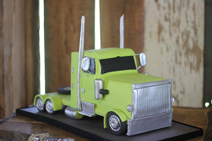 Semi Truck Groom's Cakes Springfield MO