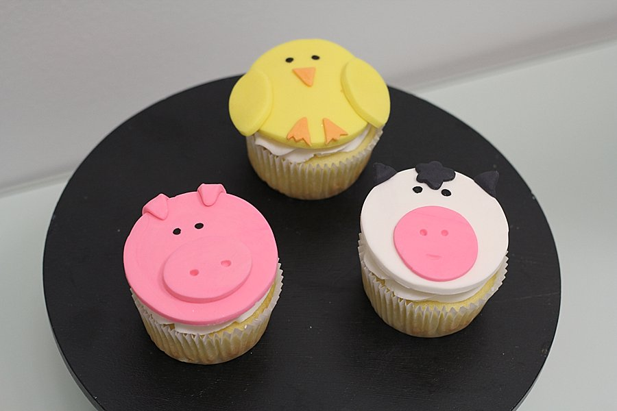 cupcakes animals Baby Shower Cakes Springfield